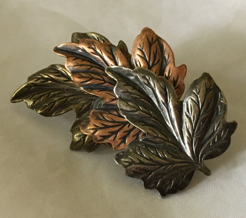 Vintage Tri-Color Autumn Leaves Brooch Pin image 0