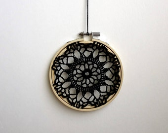 FLOWER BURST - Black Crochet Doily Embroidery Hoop - Black Crochet Suncatcher - Doily Embroidery Hoop - Crochet Decor - Crochet Suncatcher