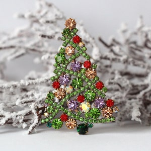 Christmas Tree Pin Brooch 2 X .75 inches 6.35 X 1.91 cm Twisted Gold Wire with Rhinestones