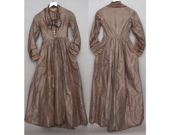 Antique Victorian Taffeta Day dress (138)