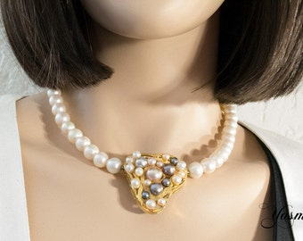 Extravagant Pearl Necklace