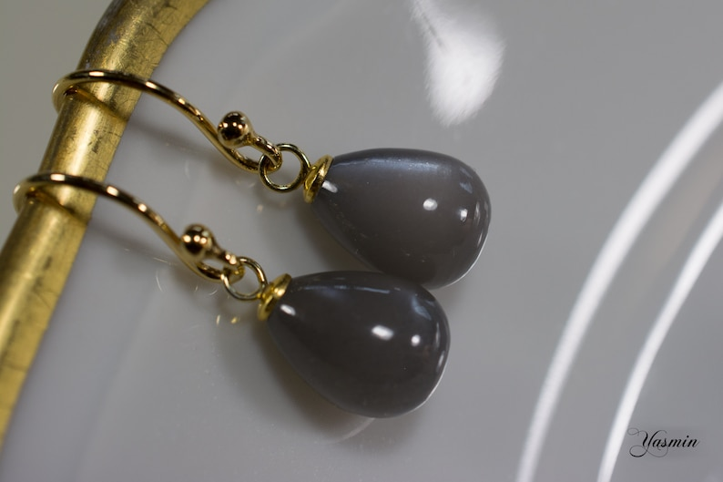 Grey moonstone on gilded silver