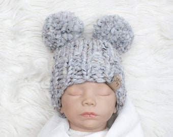 22159189551 Knitted baby hat