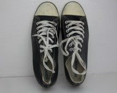 Size 9 Classic Leather Converse Black and White