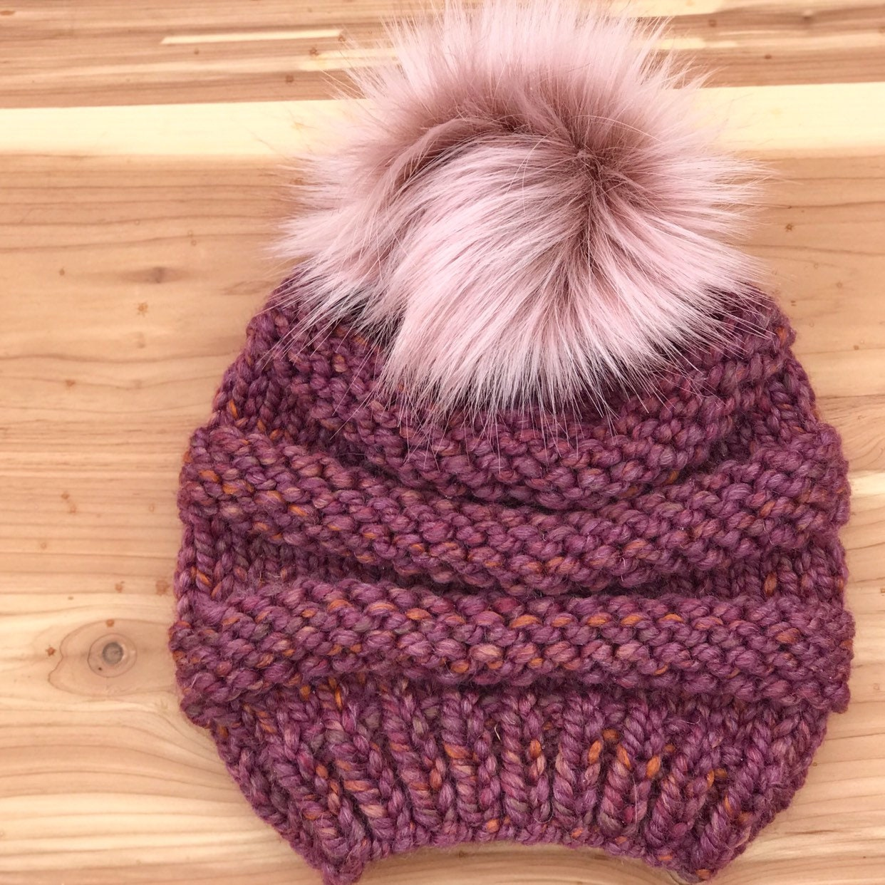 To acquire Pom pom beanies knitted for fall-winter picture trends