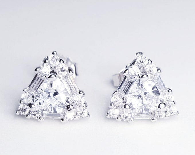NEW 14K White Gold on 925 Small Cute Triangular Floral Earrings