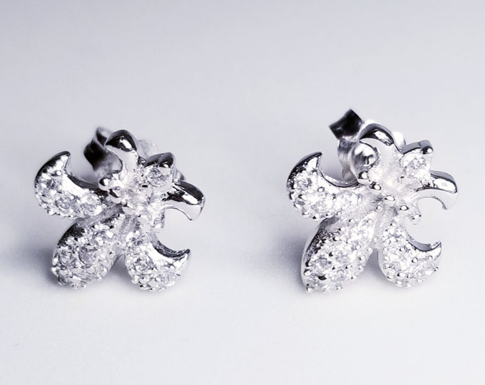 NEW 14K White Gold on 925 Small Floral Earrings