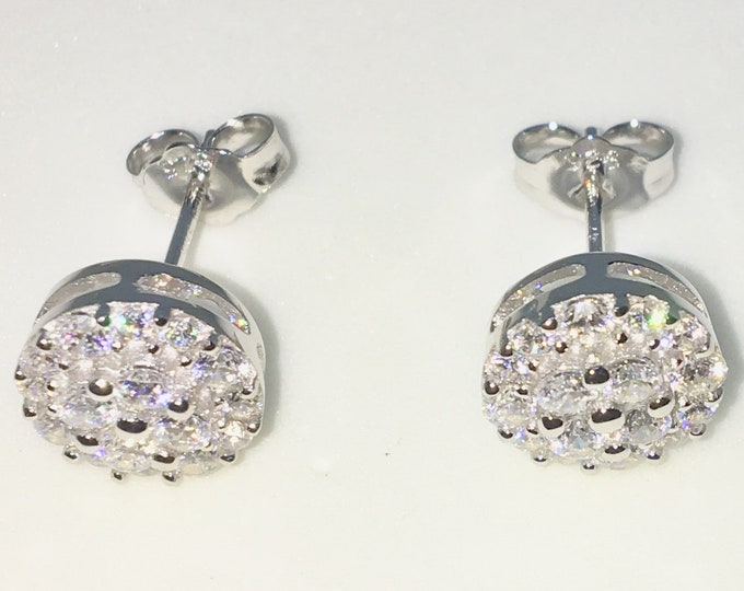 New White Gold on 925 Solid Sterling Silver Two Layer Round shape with Round white CZ Studs Earrings ( 9 . 2 mm )