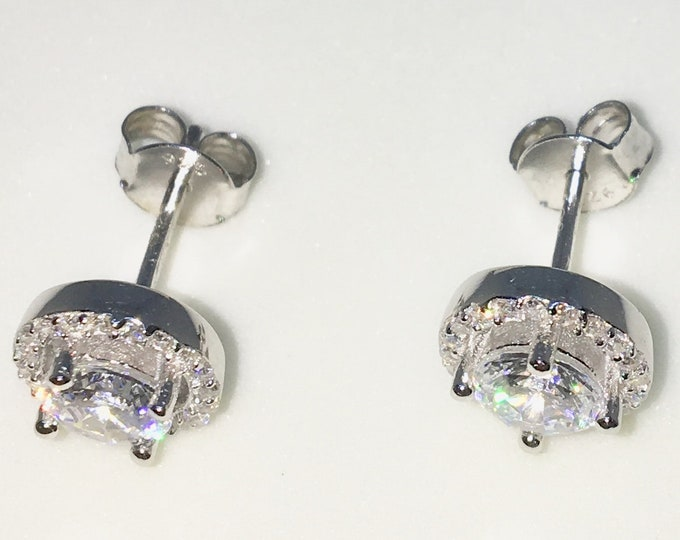 New White Gold on 925 Solid Sterling Silver Round shape with Large and tiny Round white CZ Studs Earrings ( 7 . 9 mm )