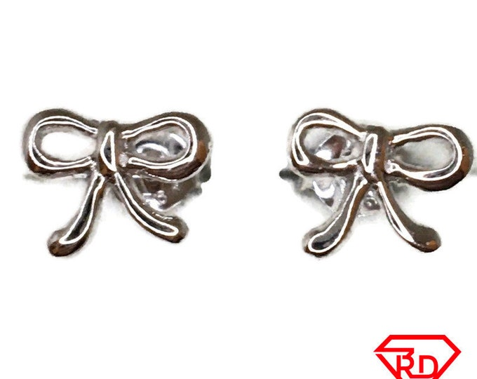 String knot Stud Earrings White Gold on Silver