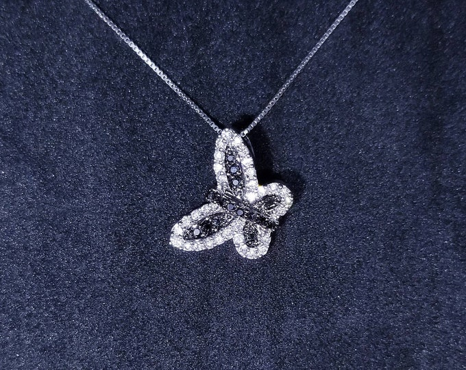 New 14k White Gold On 925 Sterling Silver Flying Butterfly CZ Stones Pendant Free Chain