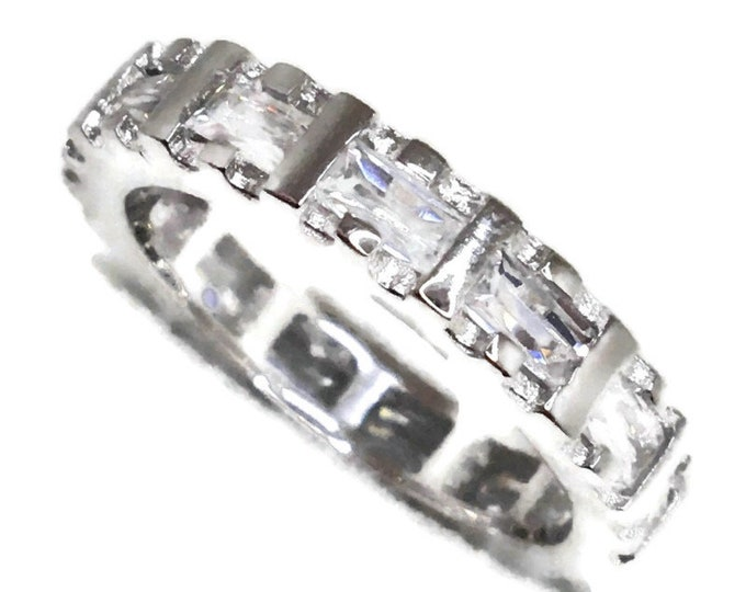 Eternity ring emerald Cubic Zirconia white gold on Silver ( 5 . 75 )