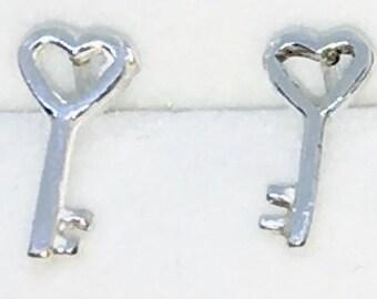 New Handcraft heart Key on 925 Solid Sterling Silver Stud Earrings ( 5 . 5 mm )