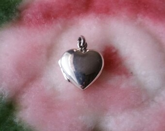 Sweet Love Picture Locket Solid .925 Anti Tarnish Sterling Silver Pendant