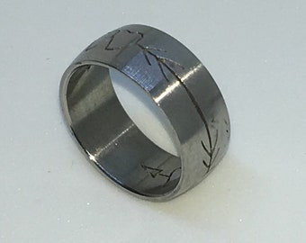7 . 9mm Size 6 . 5 Brand New White Gold Plated with Cupid Arrow on Stainless Steel ring band