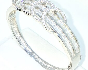 New White Gold Layered on 925 Solid Sterling Silver Oval Wedding Bangle Bracelets round rings & row white emerald and round CZ and Box clasp