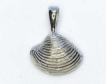 NEW 14K White Gold Layered on .925 Sterling Silver Seashell Pendant