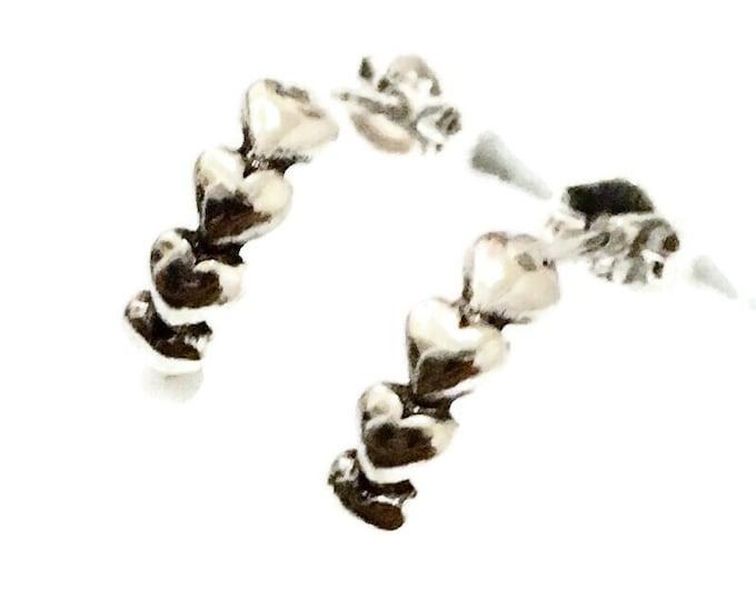 Brand New Anti-tarnish Silver Earrings small studs row of hearts shape ( 3 . 7 mm )