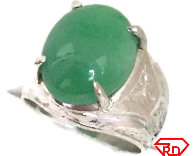 Oval jade green chinese ring 925 solid Silver (size 8)