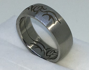 7 . 7mm Size 10 Brand New White Gold Plated with Flowery Pattern on Stainless Steel ring band