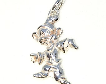 Brand New 925 Solid Sterling Silver Medium Pendant with snow white Dwarf