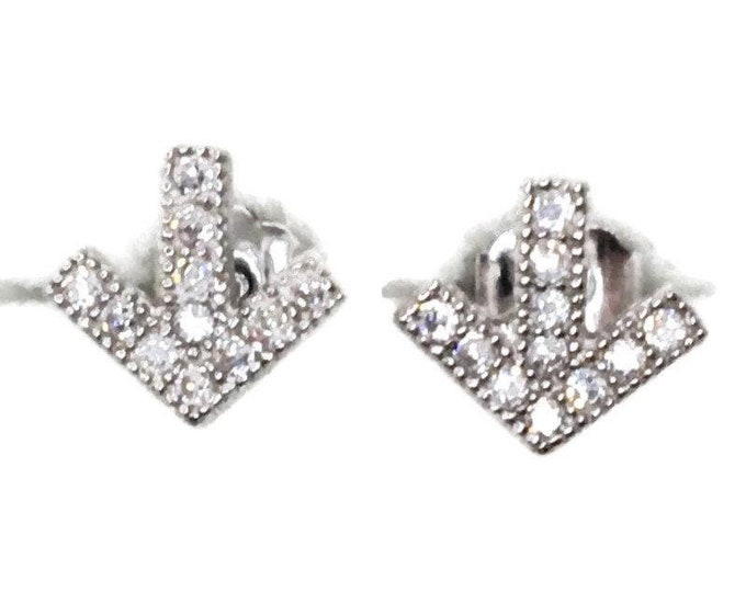 Brand new white gold on 925 silver studs earrings small direction arrow