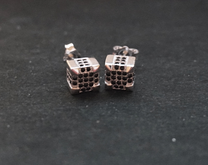 New 14k White Gold on 925 Sterling Silver Men's Black on Silver Cubic Black Striped CZ Stud Earrings ( 7 . 3  mm )