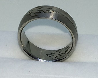 7 . 8mm Size 10 . 75 Brand New White Gold Plated with Hooked Spear on Stainless Steel ring band
