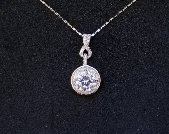 New 14k White Gold On 925 Sterling Silver Beautiful Round CZ Stones Drop Pendant Free Chain