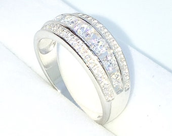 New Handcraft White Gold Plated on Sterling Silver flat ring band with row if white round CZ