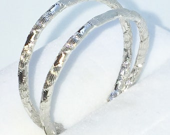 Brand New White Gold on 925 Solid Sterling Silver Plain Partly Diamond cut Medium Hoop earrings ( 25 . 4  mm )