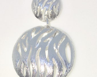 New White Gold on 925 Sterling Silver Pendant Double Hollow Ellipsoid with Wavy Patterns ( 23 . 5 mm )