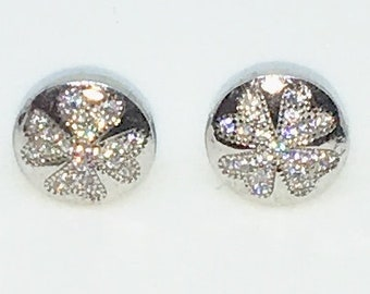 14k White Gold Layered Clover shaped CZ on Round 925 Solid Sterling Silver Stud Earrings ( 10 . 8 mm )