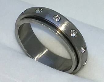 5 . 9mm Size 8 Brand New White Gold Plated with Spining Center with Round White Gem on Stainless Steel ring band