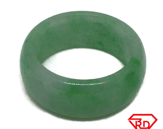 Smooth Plain Round green jade ring Band (Size 9 . 5)