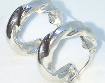 Brand New White Gold on 925 Solid Sterling Silver Plain Smooth Twisted Cylinder hoop Earrings ( 18 . 2 mm )