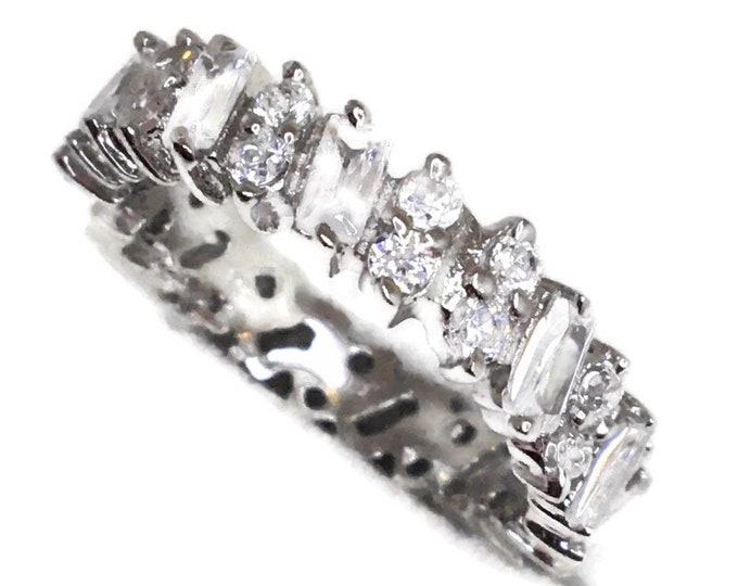 Eternity ring emerald Cubic Zirconia white gold on Silver ( 6 . 75 )