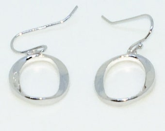 14k White Gold Layered Letter O shaped on 925 Solid Sterling Silver Dangle Drop Earrings ( 14 . 6 mm )