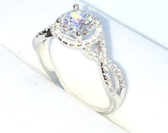 New Handcraft White Gold Plated on Sterling Silver engagement ring band with twist shape and white round CZ