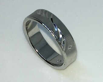 5 . 3mm Size 7 Brand New White Gold Plated with Water Patterns on rough edged Stainless Steel ring band