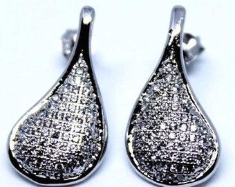 Stylish Sterling Silver Dangling Teardrop Earrings