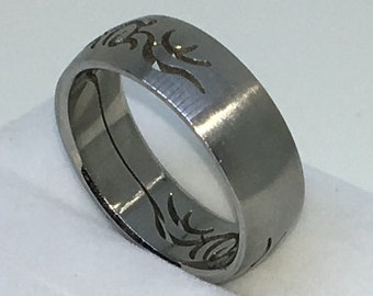 7 . 9mm Size 11 Brand New White Gold Plated with Flowery Pattern on Stainless Steel ring band