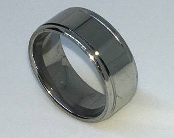 8 . 0mm Size 7 Brand New White Gold Plated with Dented Side Line on Plain Stainless Steel ring band