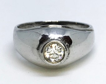 NEW 14K White Gold Layered on Sterling Silver Circle Ring