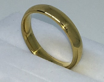 4 . 0mm Size 9 . 5 Brand New Yellow Gold Plated on plain slim Stainless Steel ring band