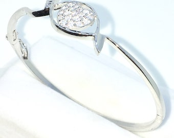 New White Gold Layered on 925 Solid Sterling Silver Oval Bangle Bracelets Heart in ellipse white round CZ and Box clasp
