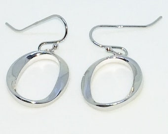 14k White Gold Layered Number zero shaped on 925 Solid Sterling Silver Dangle Drop Earrings ( 14 . 5 mm )