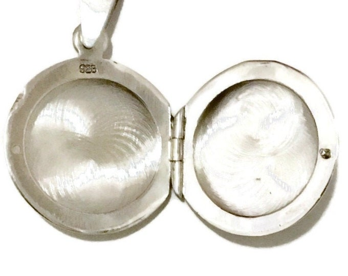 New White Gold on 925 Silver Pendant cute round locket ( 19 . 9 mm )
