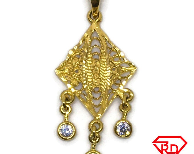14k Yellow gold diamond pendant with cubic zirconia