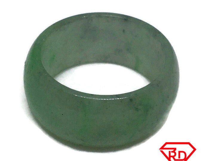Smooth Plain Round green jade ring Band (Size 7 . 5)